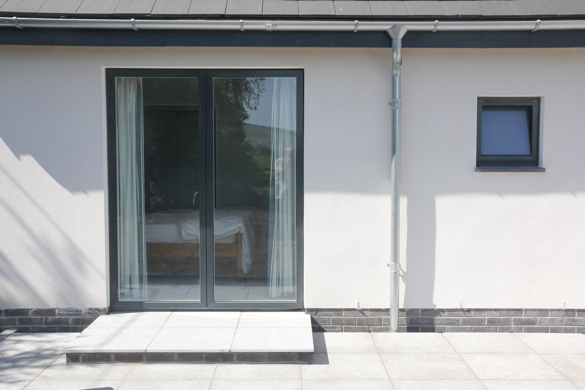 Chapel road dunshalt idealcombi for Terrace house opening new doors